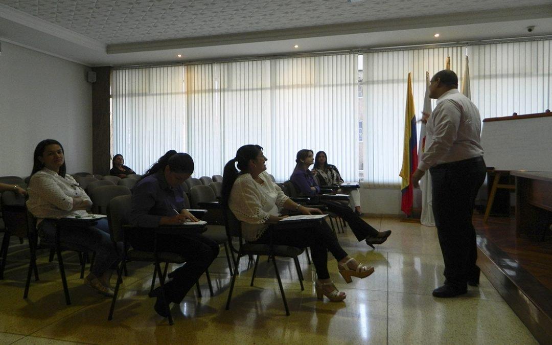 """Seminario """"Servicio y atención al Asociado Cooperativo"""""""
