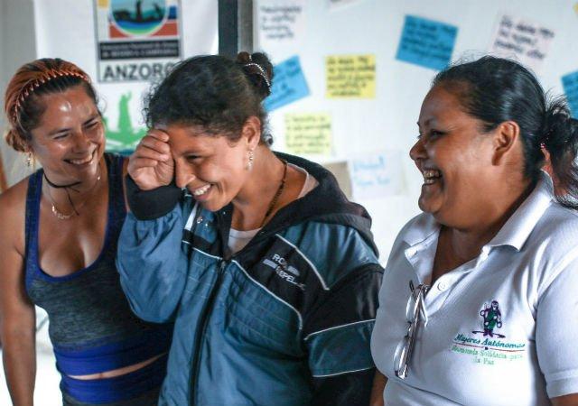 Mujeres ex combatientes de las Farc crean una planta transformadora de frutas y hortalizas